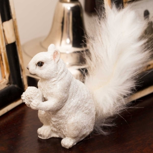 Figurine - Small Squirrel